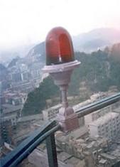 砖烟囱安装航标灯_高空安装工程-盐城市华联高空维修防腐有限公司
